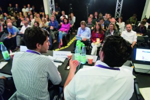 """Bei """"Deutschland vor der Wahl"""" diskutierten Journalisten und Forscher über die Frage, wie Medien mit Meinungsumfragen umgehen können. Foto: Jonas Walzberg"""