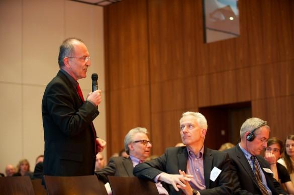 Wie funktioniert Medienkritik? Stephan Ruß-Mohl, Journalistik-Professor und ebenfalls Message-Beirat, teilt die am Medienjournalismus geübte Kritik und verweist auf die wichtige Beobachterrolle der angewandten Medienwissenschaft.