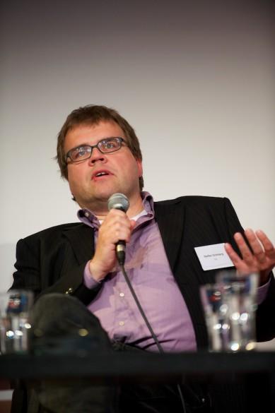 … während Medienredakteur Steffen Grimberg die Unabhängigkeit der »taz«, …