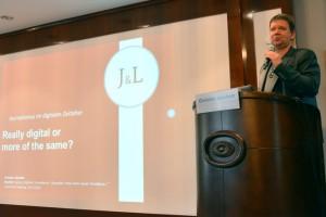 Christian Jakubetz eröffnete mit seiner Rede #digijour2015.