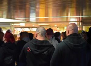 Neonazis am 1. Mai 2015 im Dortmunder Hauptbahnhof / Foto: Ulrike Märkel